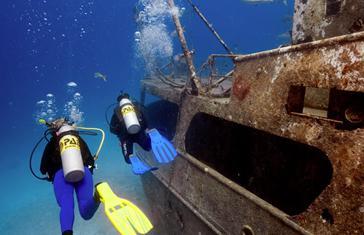 PADI Buceo en Barcos Hundidos